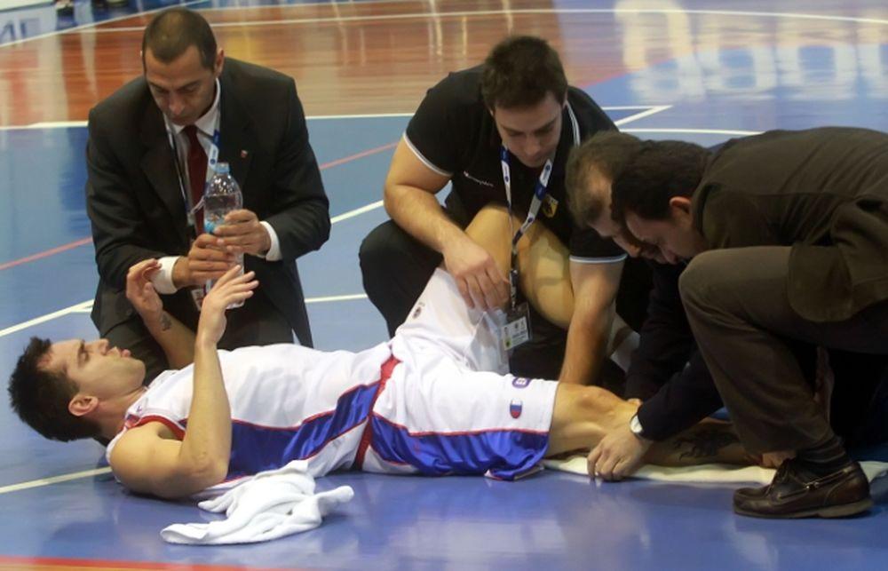 Miloš Vujanić je doživeo tešku povredu na meču Panionios - AEK.
