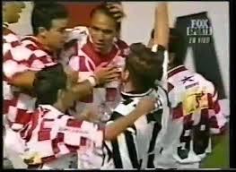 Zdenko Muf je pogodak protiv Leona proslavio skidanjem dresa Tekosa i pokazivanjem dresa Partizana.