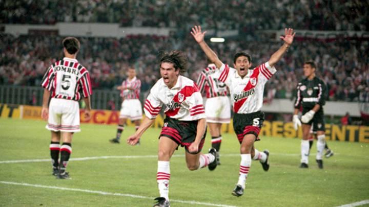 Marselo Salas proslavlja pogodak u finalu protiv Sao Paola.