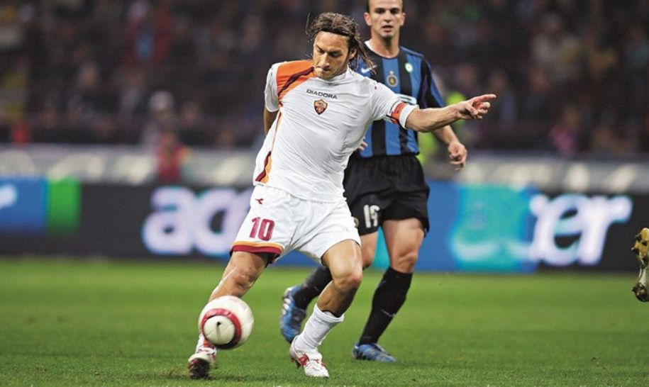 Frančesko Toti postigao je prelep gol protiv Intera.