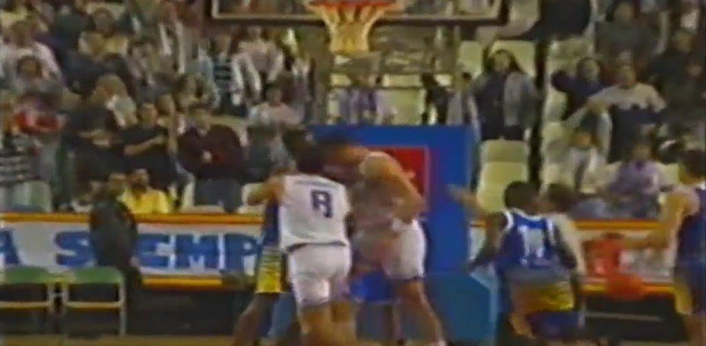 Arvidas Sabonis je udarcem glavom Džejmsa Brajsona izazvao veliki haos na meču Real - Orense.