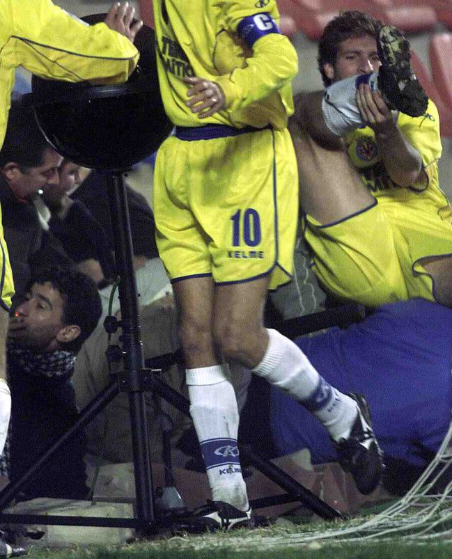 Martin Palermo je doživeo ozbiljnu povredu kada se zidić sa navijačima srušio na njegovu nogu.