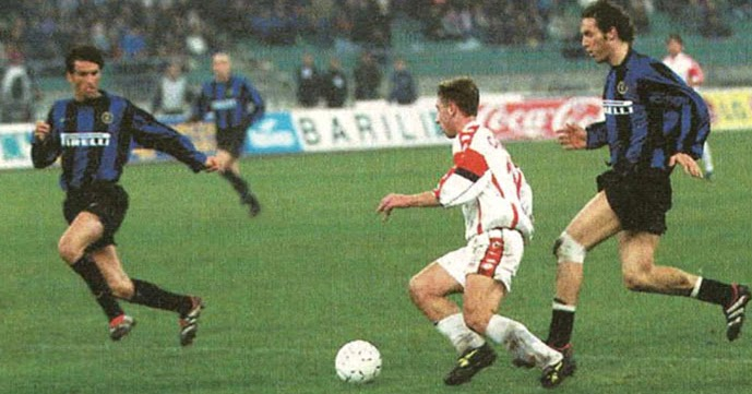 Antonio Kasano postigao je prelep gol na meču sa Interom.
