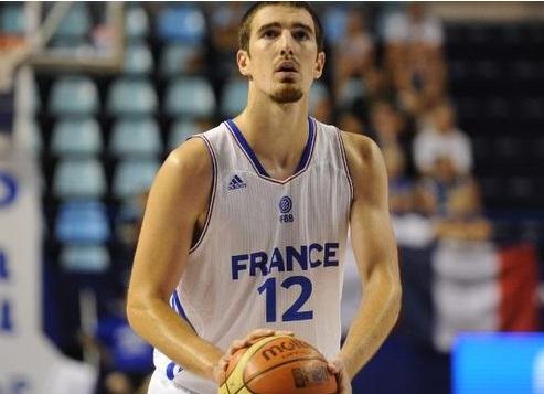 Nando de Kolo je na kraju ispao tragičar Francuza na Evropskom prvenstvu 2009. godine.