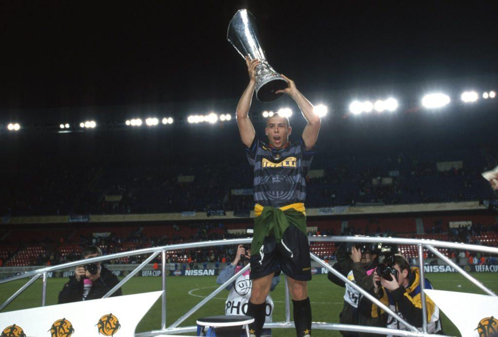 Ronaldo je u dresu Intera uspeo da osvoji Kup UEFA.