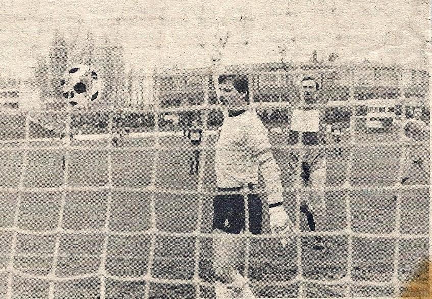 Enver Marić nije mogao da veruje kakav je gol primio.