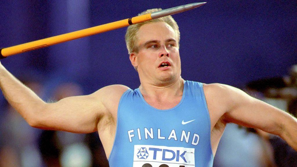 Iako je bio sasvim solidan bacač koplja, Juha Laukanen je mnogima najpoznatiji po pogotku sudije.
