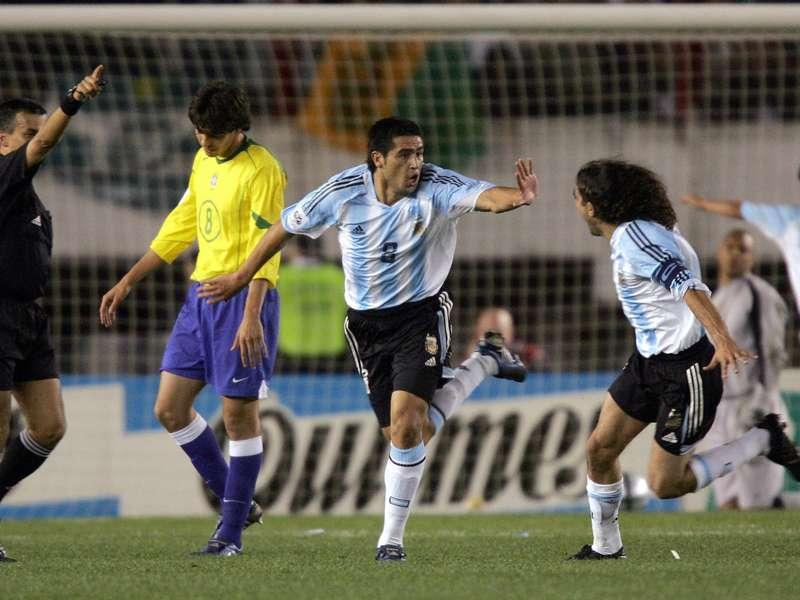 Huan Roman Rikelme postigao je prelep gol protiv Brazila.