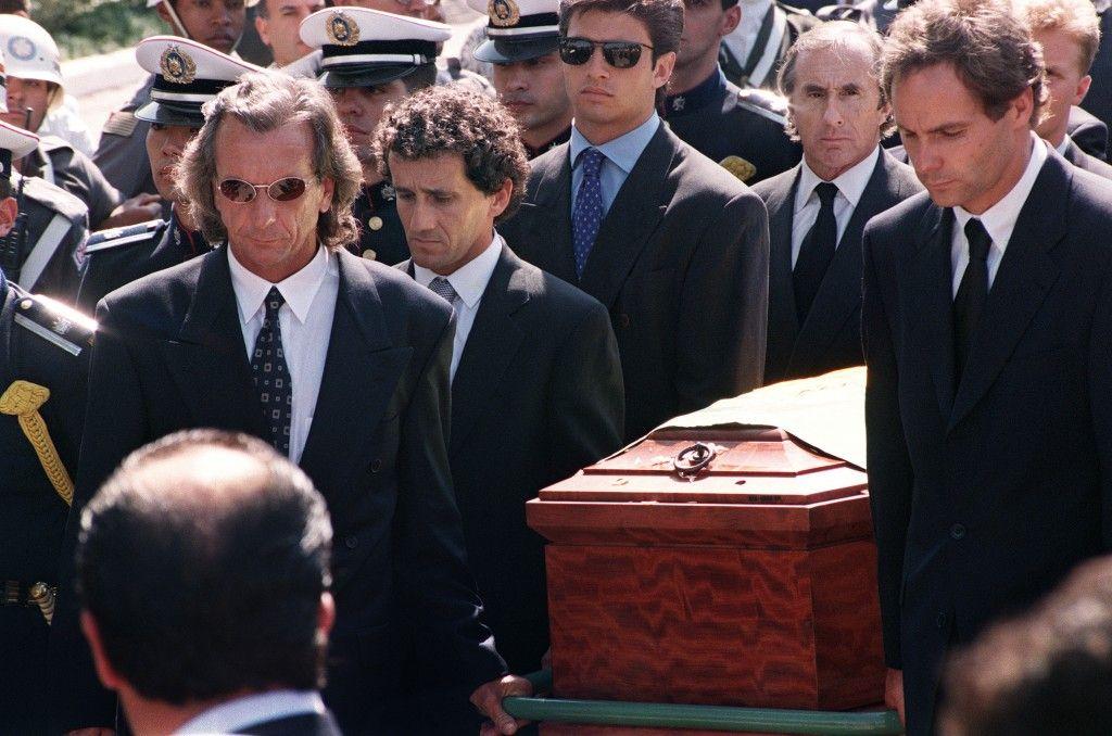 Alan Prost bio je jedan od onih koji su poneli Senin kovčeg.